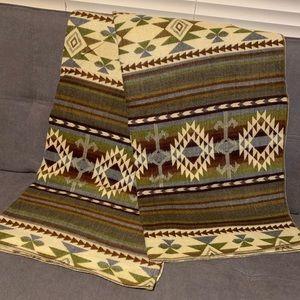 Alpaca wool blended blanket native print